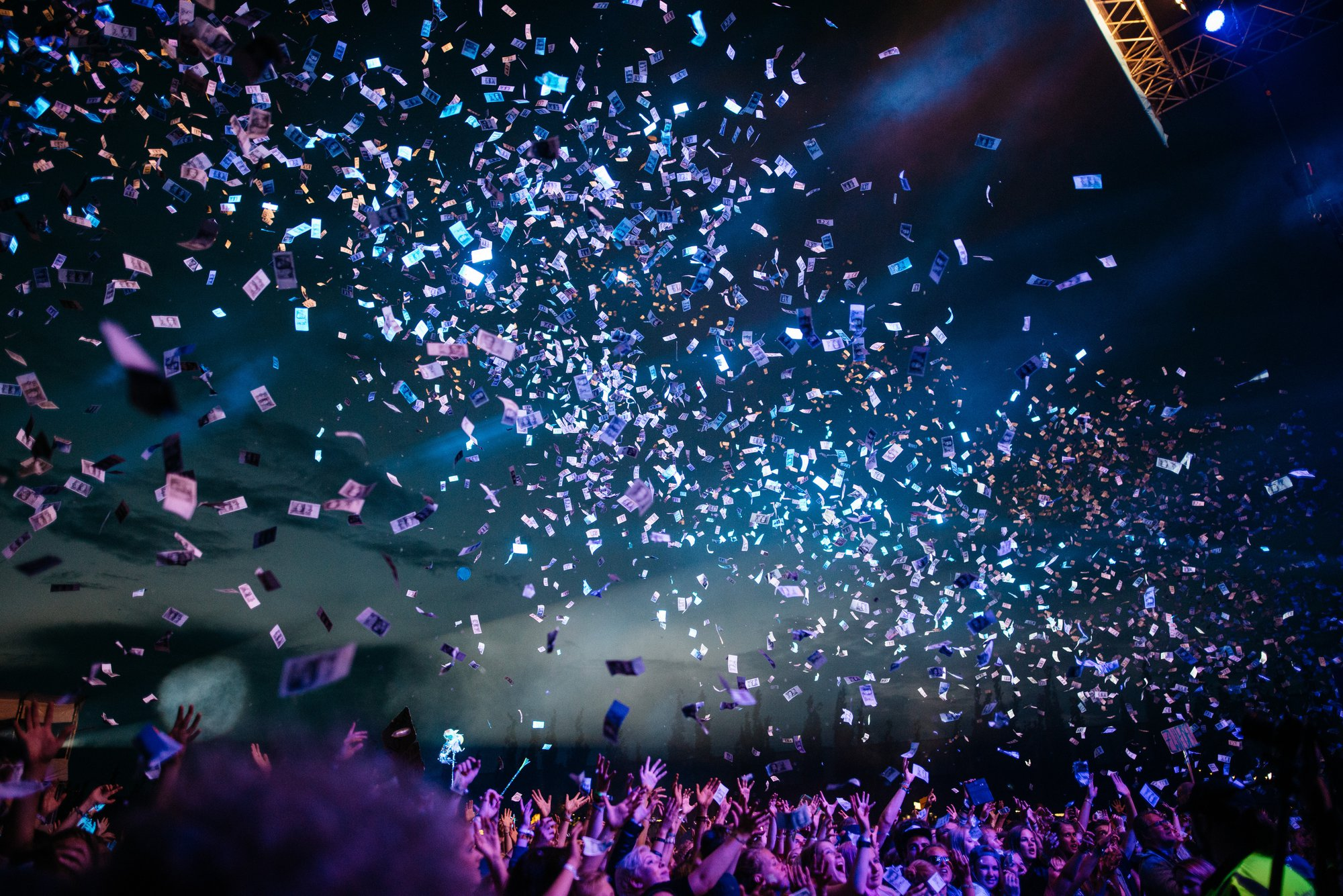 5 perfect moments to celebrate your consultants' performance